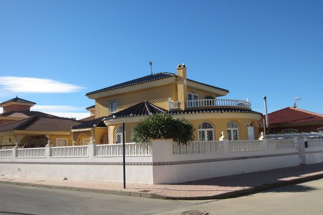 4 bed chalet for sale in Los Alcázares, Murcia, Spain
