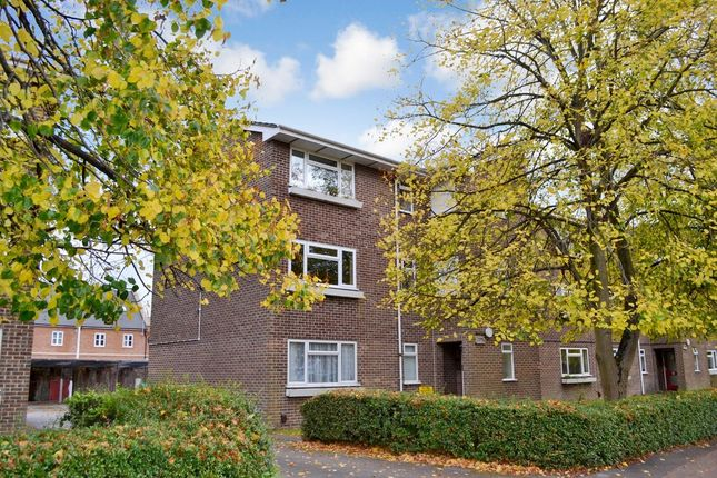 Thumbnail Flat for sale in Boundary Road, Newbury