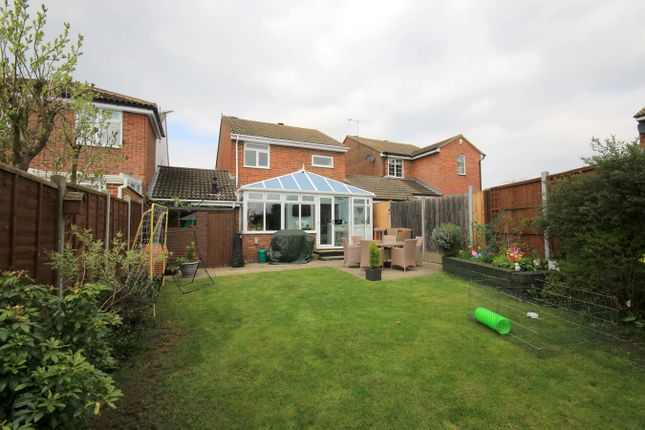 Thumbnail Link-detached house for sale in Tythe Barn Close, Westoning