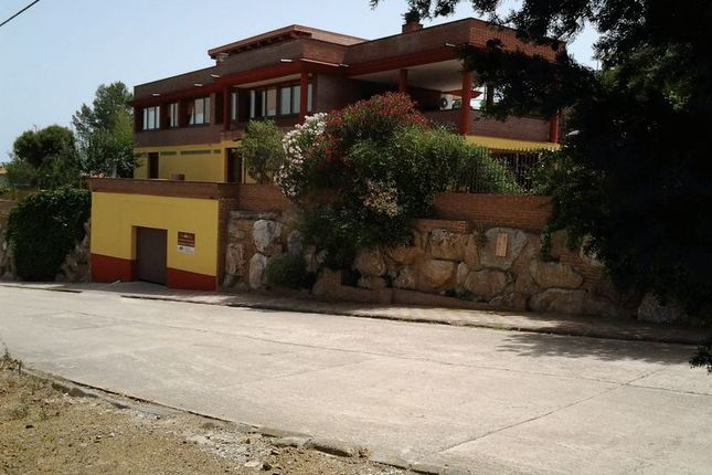 Thumbnail Detached house for sale in Nice Detached Villa In Corner Plot, Riudecanyes, Dorada