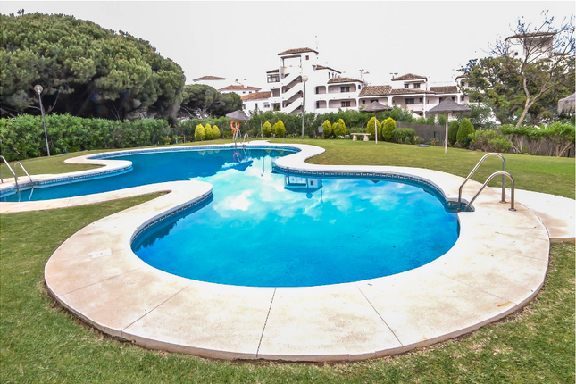2 bed apartment for sale in Calahonda, Costa Del Sol, Andalusia, Spain
