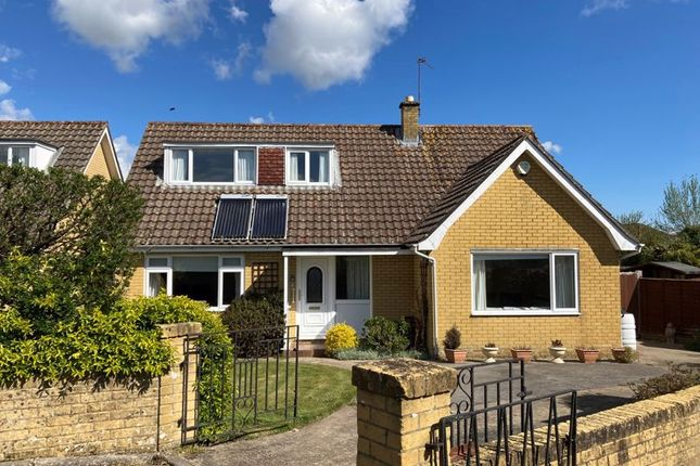 3 bed detached bungalow for sale in Arnewood Gardens, Yeovil BA20