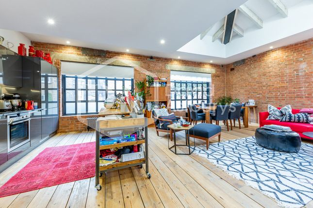 Thumbnail Flat to rent in City Garden Row, Angel Old Street, London