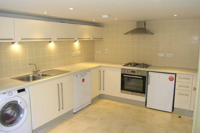 4 Fernbrook - Kitchen