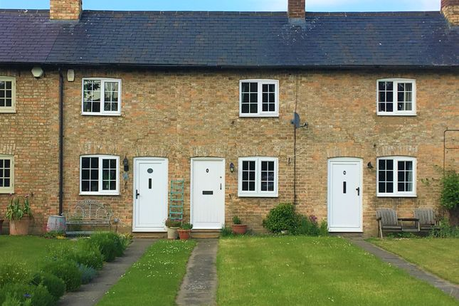 2 bed terraced house to rent in Taskers Row Cottages, Eddlesborough