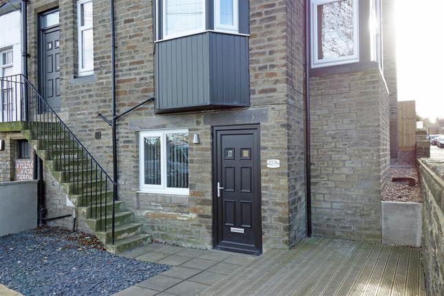 Thumbnail Flat to rent in Bingley Road, Shipley