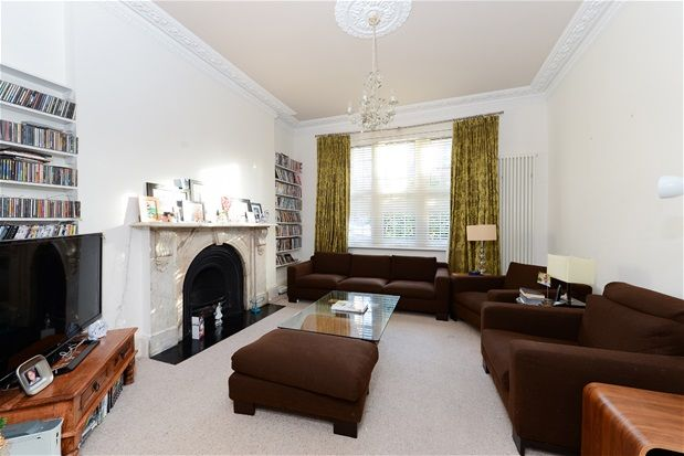 Thumbnail Detached house for sale in High View Road, London