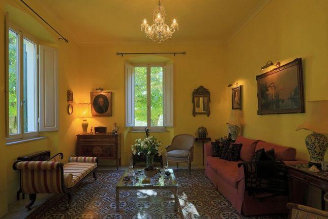 Sitting Room of Villa Prosperini, Calzolaro, Citta di Castello, Umbria