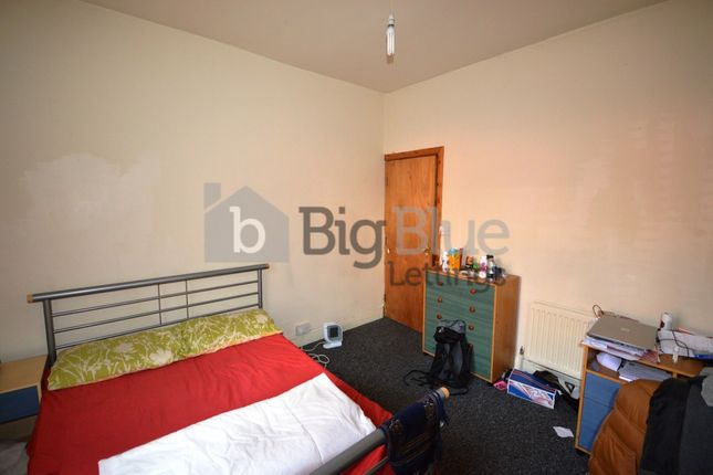 Property to rent in Burley Lodge Terrace, Hyde Park, Five Bed, Leeds