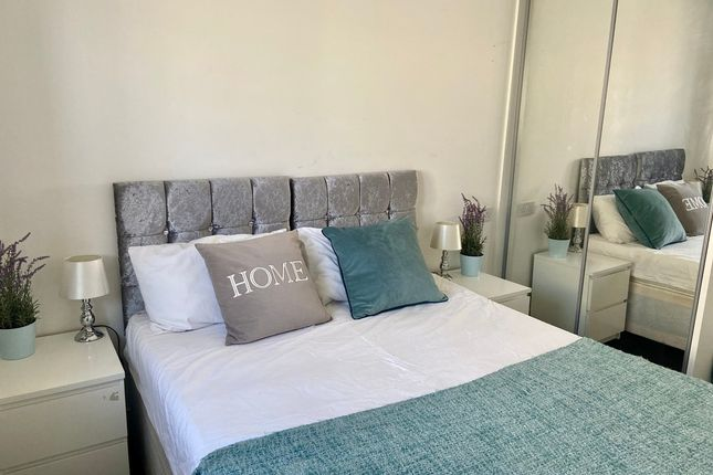 5 bed shared accommodation to rent in Landstead Road, Shooters Hill, London SE18