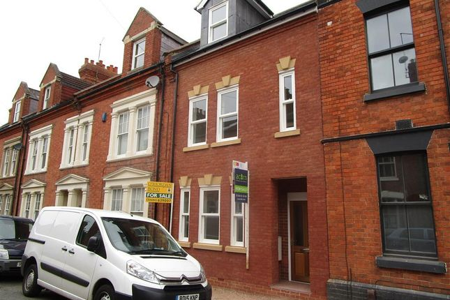 Thumbnail Property to rent in Colwyn Road, Northampton