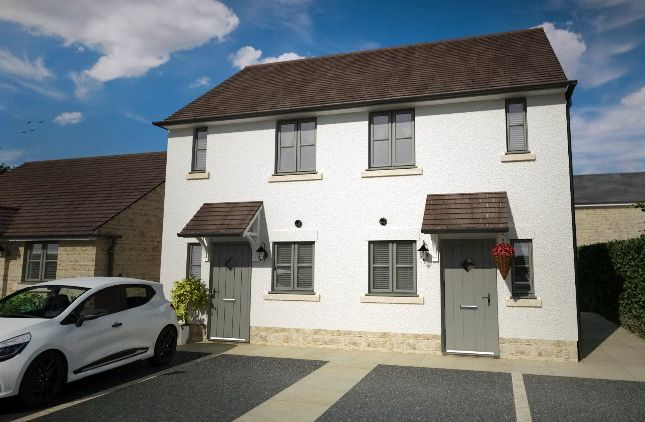 A larger local choice of properties for sale in Swindon