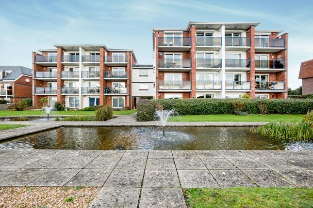 Thumbnail Flat to rent in Sea Front, Hayling Island