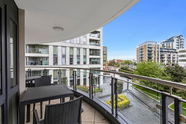 Thumbnail Flat for sale in Doulton House, Chelsea Creek