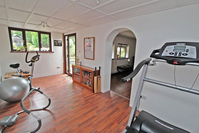 Home Office/Gym of Friday Lane, Gedling Village, Nottingham NG4