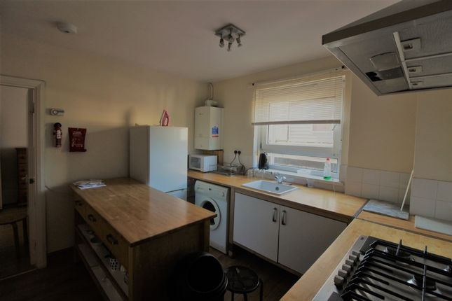 Thumbnail Flat to rent in Including Heating And Gas!!!Eversholt Street, Euston