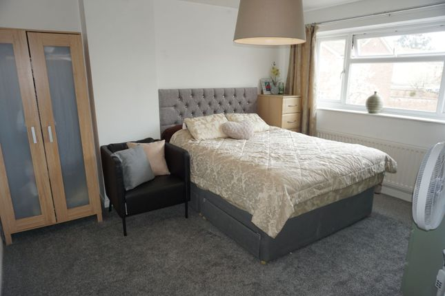 Master Bedroom of Wilshere Close, Kirby Muxloe, Leicester LE9