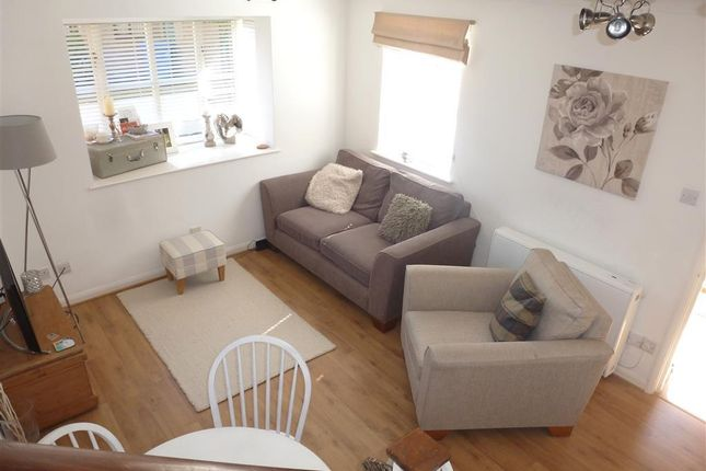 Thumbnail Property to rent in Simpson Close, Maidenhead