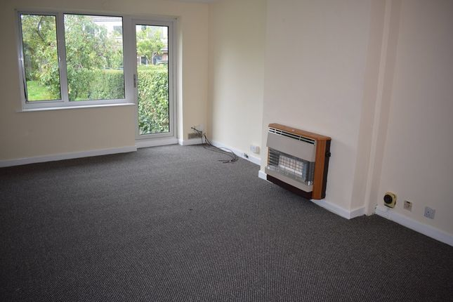 Thumbnail Semi-detached bungalow to rent in Wroxham Close, Burnley, Lancs