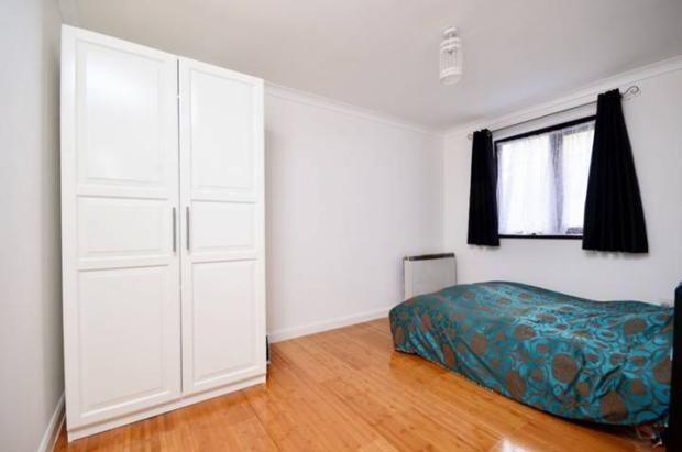 Thumbnail Maisonette to rent in St Johns Villas, London