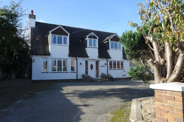 Thumbnail Cottage for sale in Princes Road, Rhuddlan, Rhyl