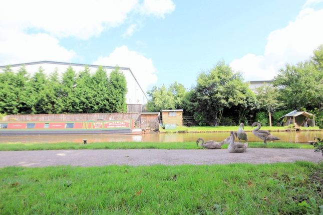 Thumbnail Flat for sale in Limelock Court, Stone