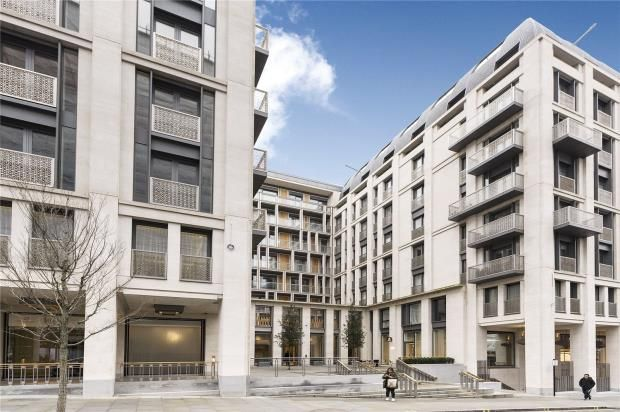 Thumbnail Property for sale in The Strand, Savoy House