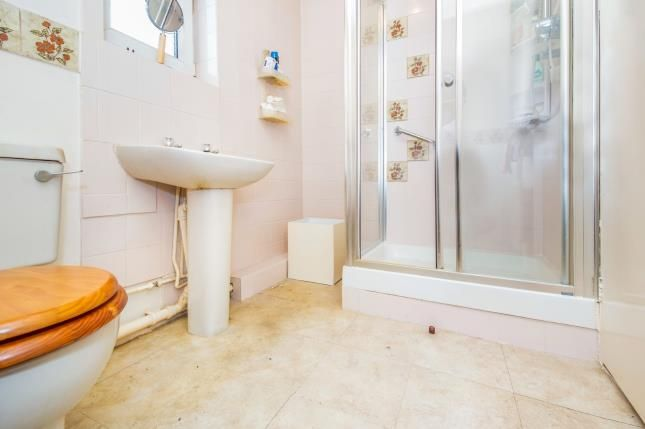 Bathroom of Selbourne Street, Loughborough, Leicestershire, . LE11