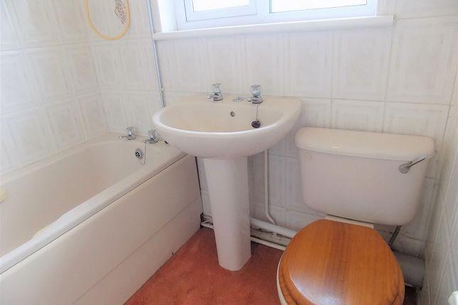 Family Bathroom of Heol Las, Pencoed, Bridgend. CF35