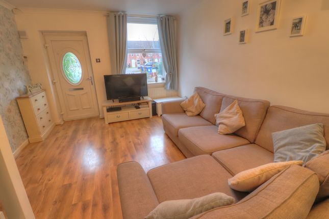 Lounge of Forest Close, Dukinfield SK16
