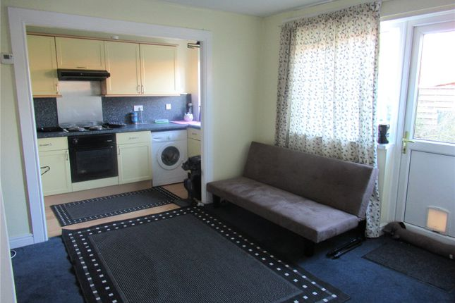 Thumbnail Terraced house to rent in Stratfield Avenue, Tadley, Hampshire