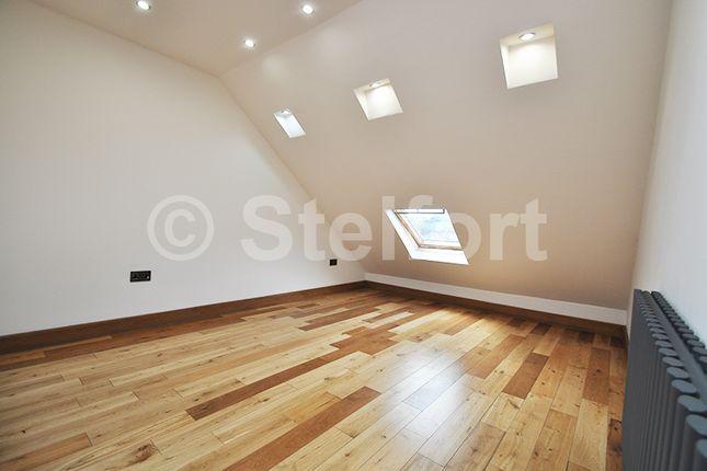 Thumbnail Flat for sale in Colney Hatch Lane, Barnet, London