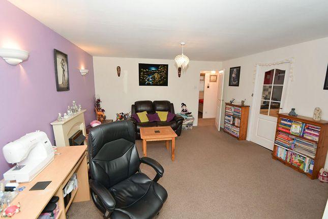 Lounge of Aldergrove Crescent, Lincoln, Lincolnshire LN6