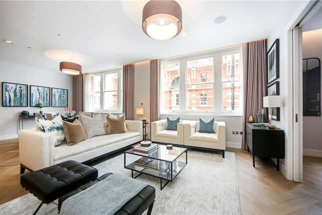 Thumbnail Flat to rent in Southampton Street, Covent Garden, London