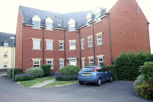 Thumbnail Flat for sale in Deans Court, Bishops Cleeve, Cheltenham