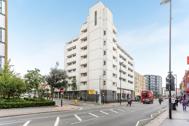 Thumbnail Flat for sale in London Road, Croydon