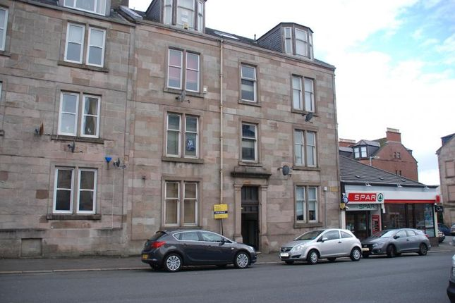 Thumbnail Flat to rent in South Street, Greenock