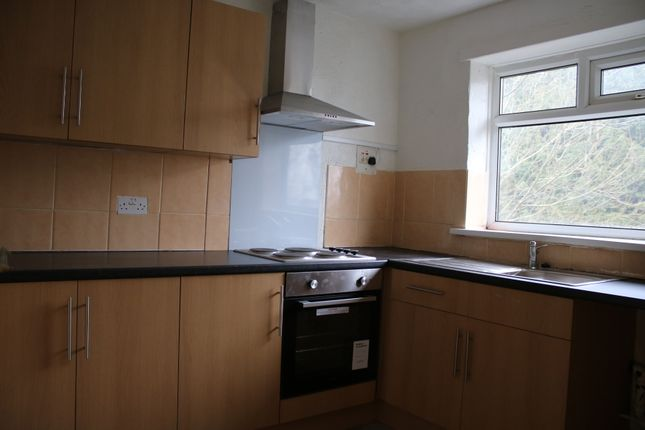 Thumbnail Flat to rent in Pasture Walk, Bradford