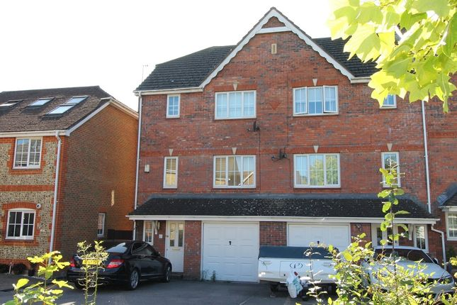 Thumbnail Town house for sale in Bronze Close, Beggarwood, Basingstoke