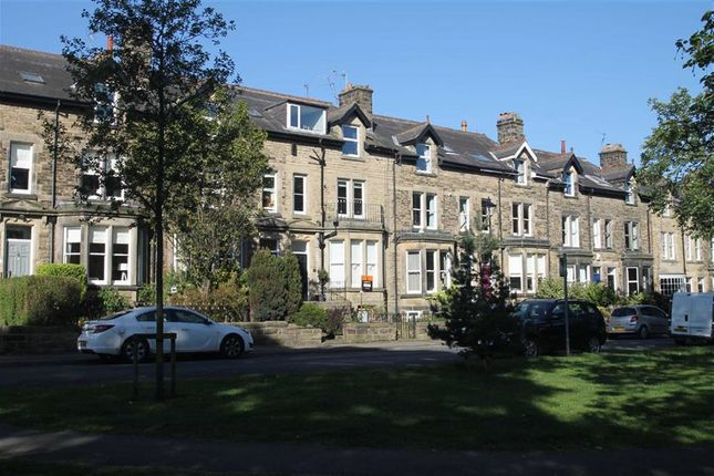 2 bed flat for sale in Mornington Crescent, Harrogate, North Yorkshire