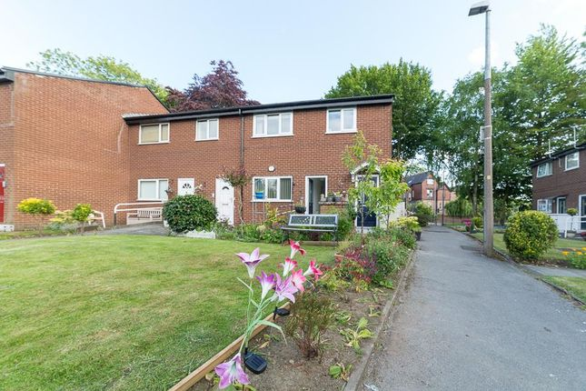 Thumbnail Flat to rent in Regina Court, Salford