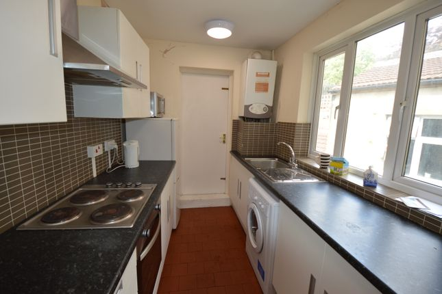 Thumbnail Maisonette to rent in Queens Crescent, Kentish Town