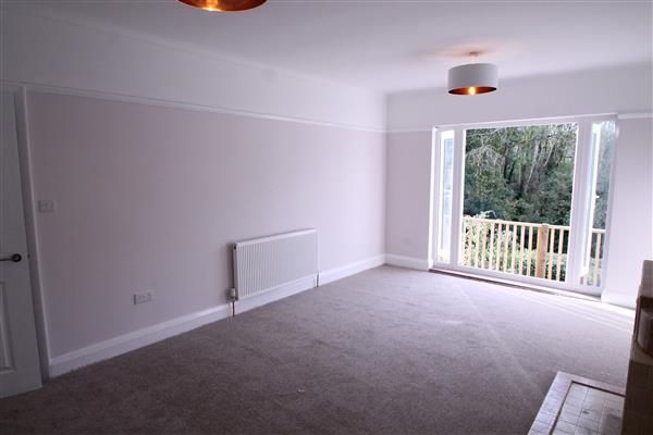Thumbnail Bungalow to rent in Coulsdon Road, Old Coulsdon, Coulsdon