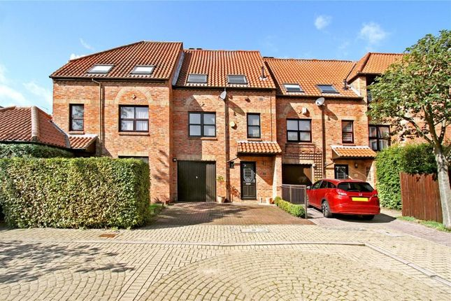Thumbnail Town house to rent in Wain Well Mews, Lincoln