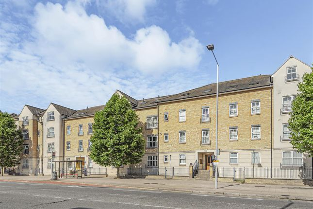 Thumbnail Flat to rent in Kew Court, Richmond Road, Kingston Upon Thames