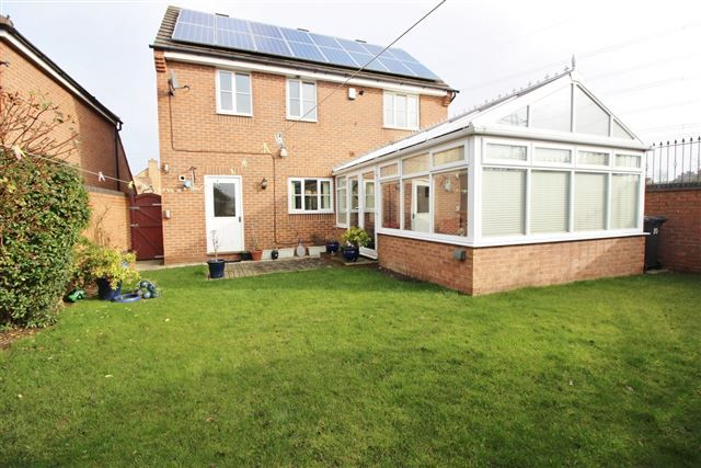 Thumbnail Detached house to rent in Swallow Wood Road, Swallownest, Aston Manor, Sheffield