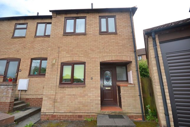2 bed terraced house to rent in St. Dunstans Rise, Northampton NN4