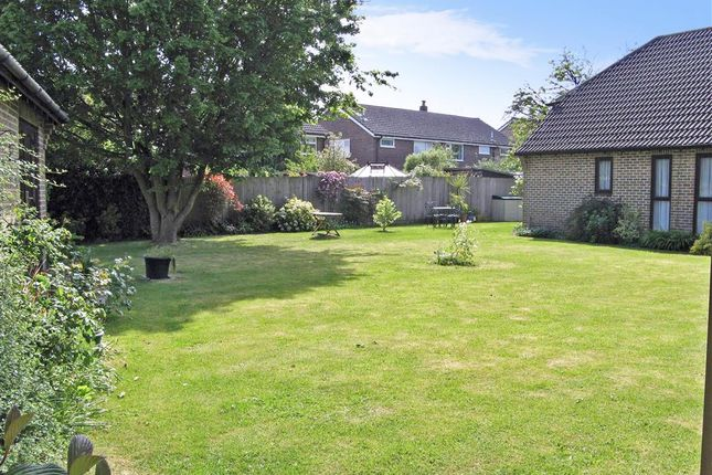 Thumbnail Flat for sale in Farm Close, Barns Green, West Sussex