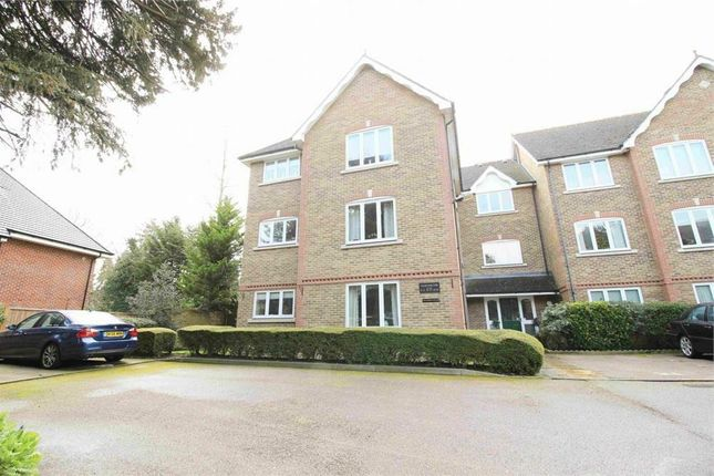 Thumbnail Flat for sale in Village Park Close, Enfield