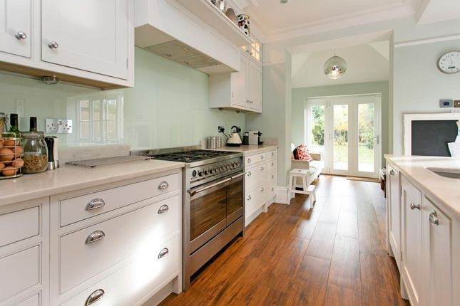 Thumbnail Semi-detached house to rent in Portsmouth Road, Thames Ditton